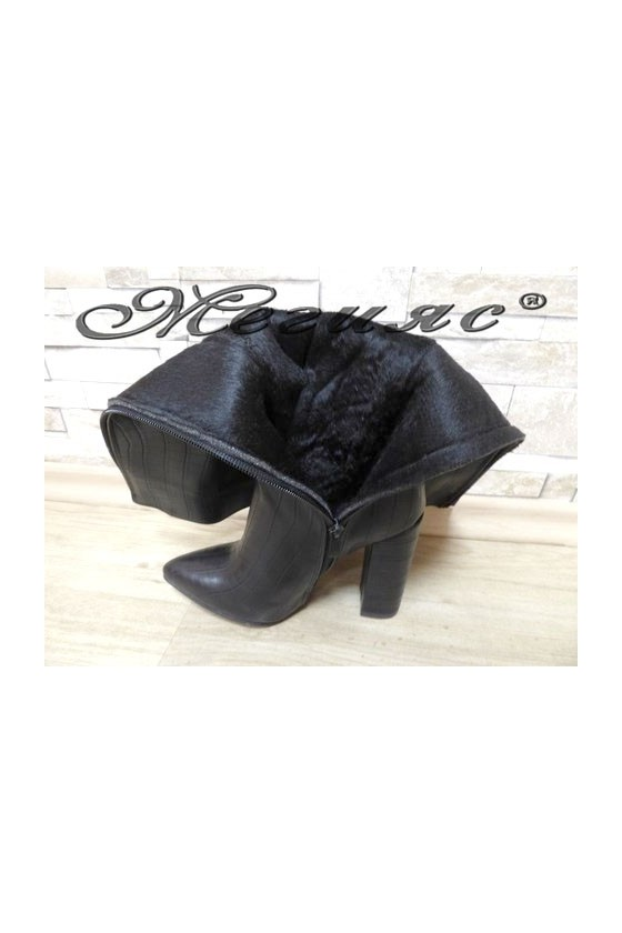 2500 Women boots black