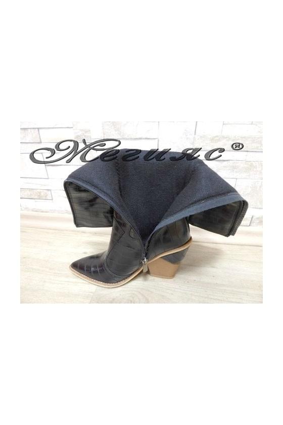 2502 Дамски ботуши черни на ток от еко кожа