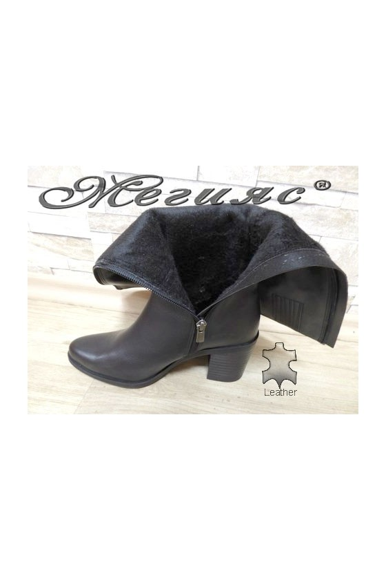 6008 Women boots black leather