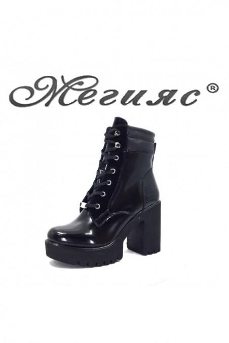 1171 Women boots black lak