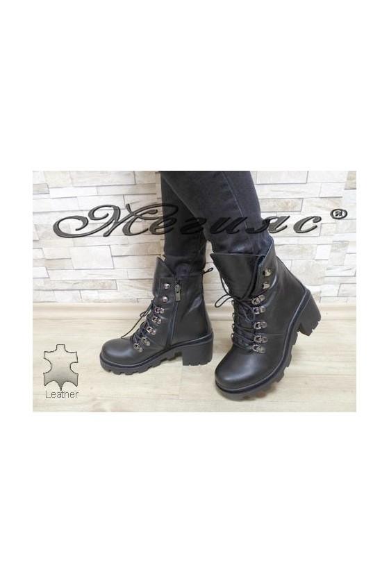 410-03 Дамски боти черни от естествена кожа