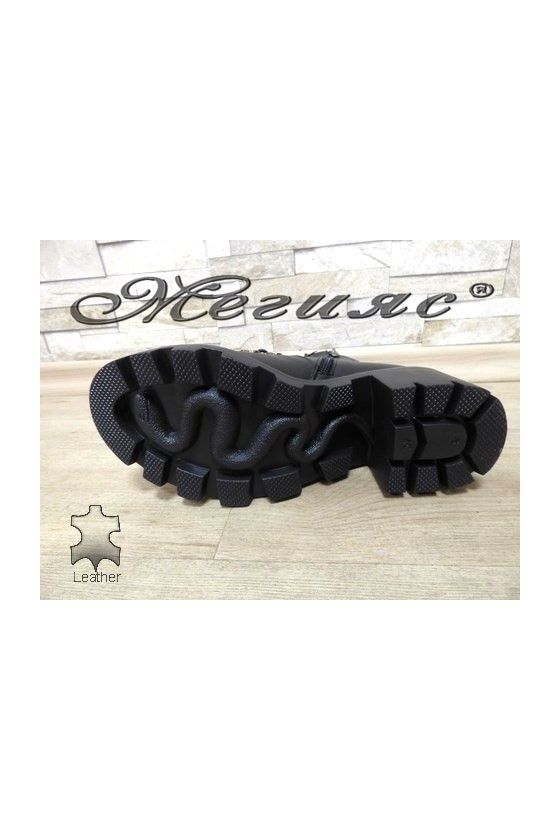 410-03 Women boots black leather