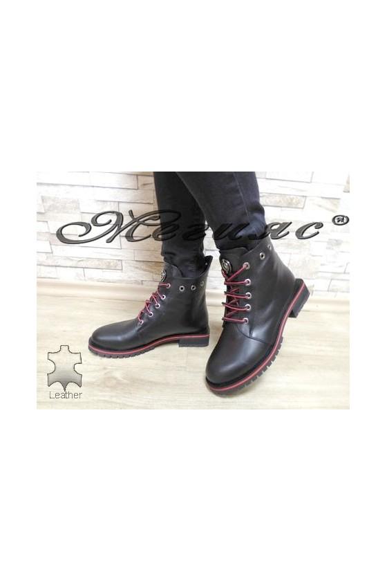 5305 Дамски боти черни с червено от естествена кожа