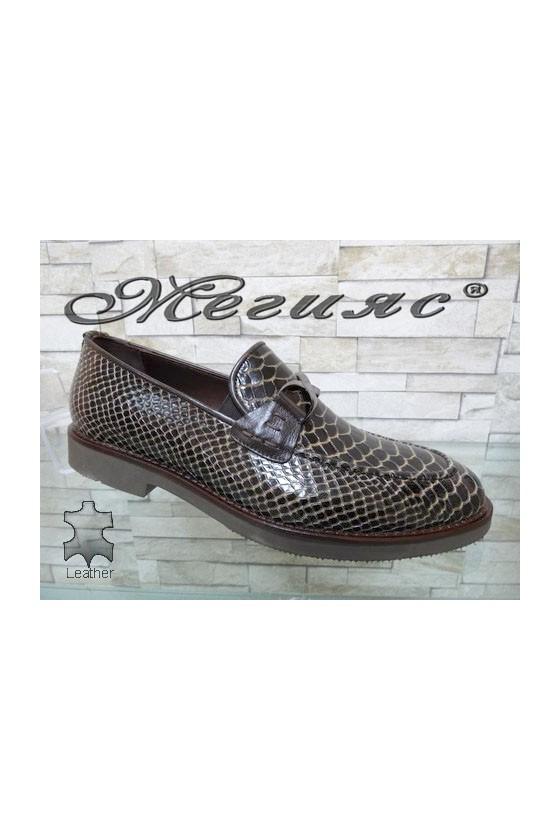 0011 Мъжки елегантни обувки кафяви от естествен лак с кроко шарка