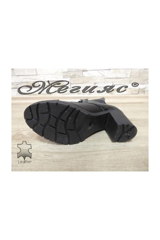372-370 Дамски боти на широк ток черни от естествена кожа