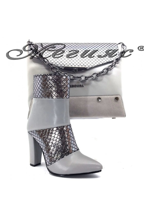 47715 Lady elegant boots grey with bag 7712