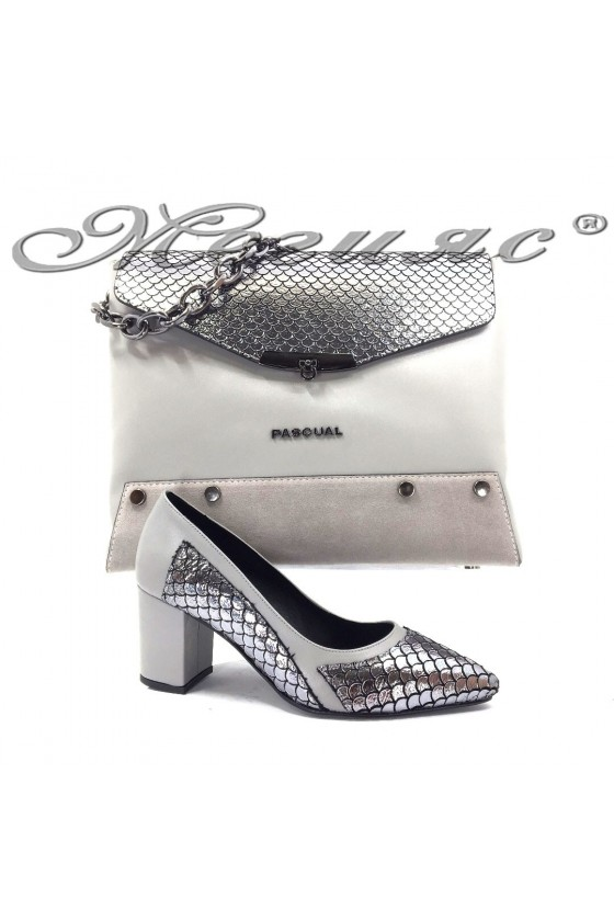47716 Комплект дамски обувки сиви с чанта 7712