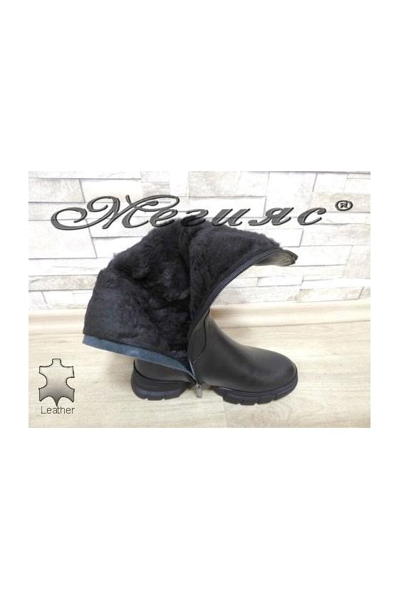 322-8 Дамски ботуши черни от естествена кожа