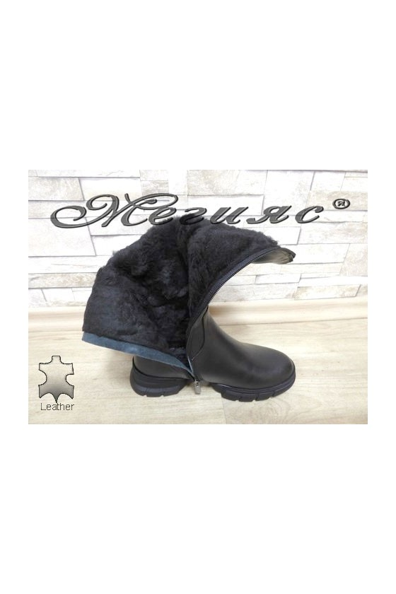 322-8 Lady boots black leather