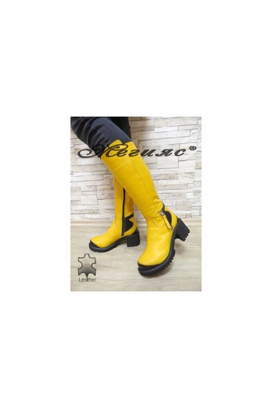 315-6 Дамски ботуши жълти от естествена кожа