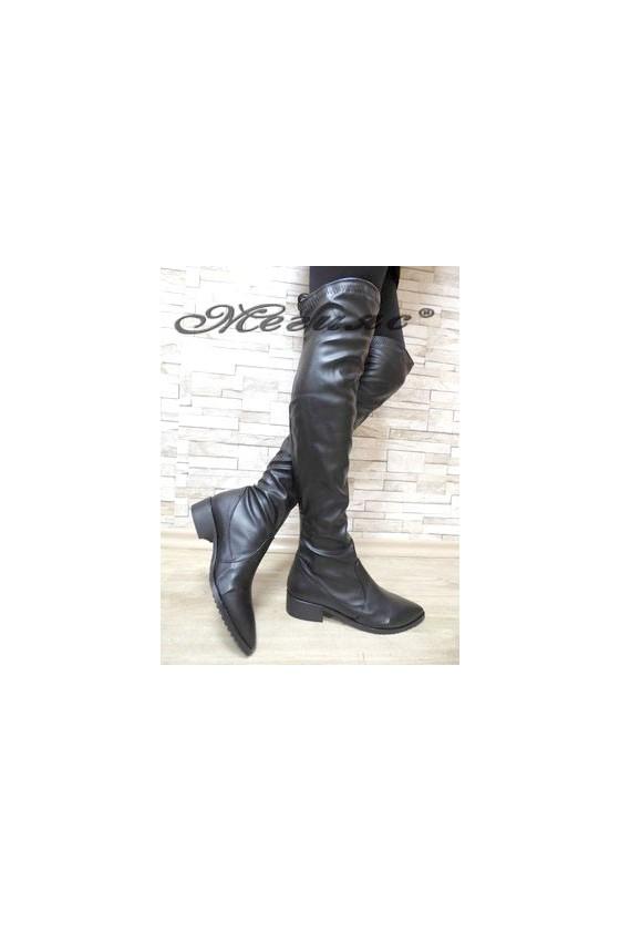 080 Дамски ботуши тип чизми черни мат от еко кожа