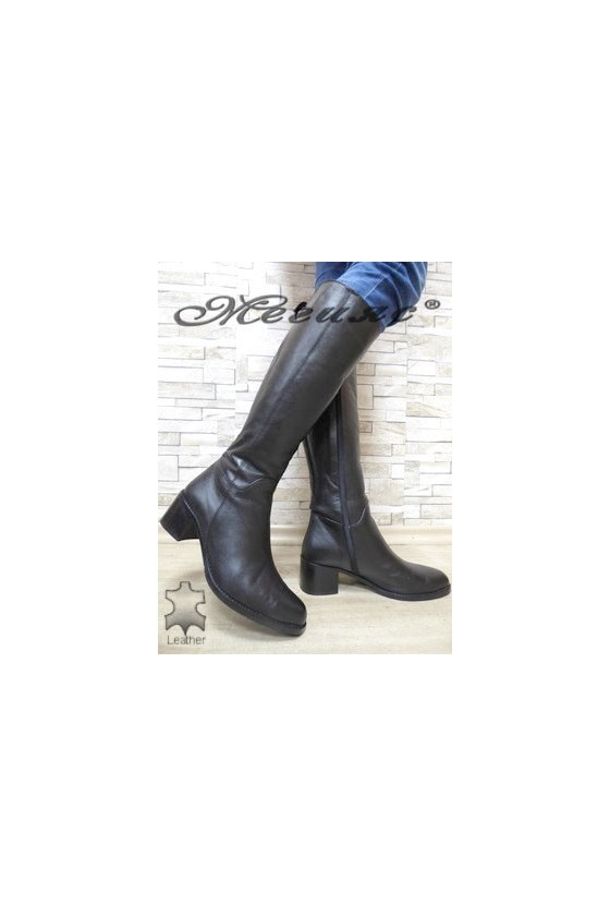 240 XXL Women boots black leather