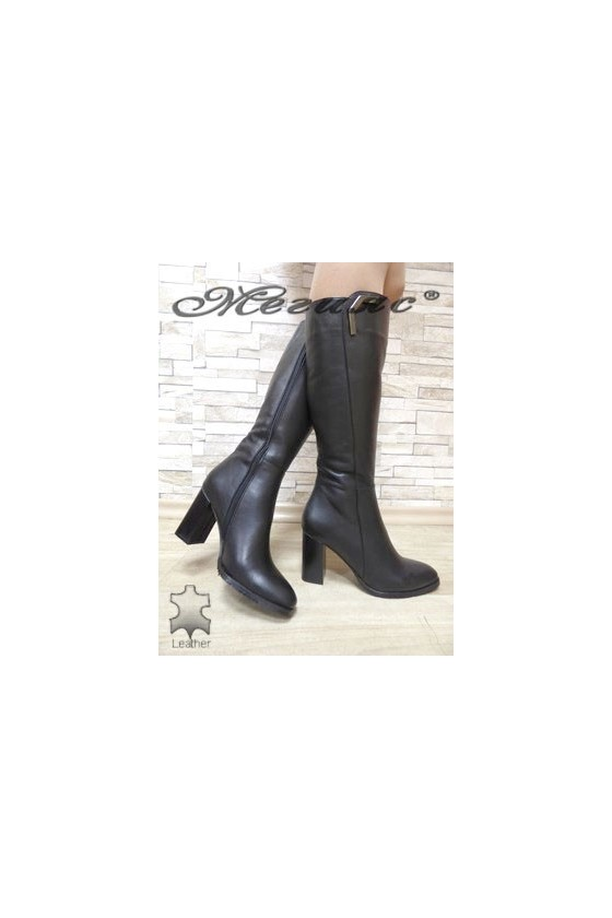 2341 Women boots black leather