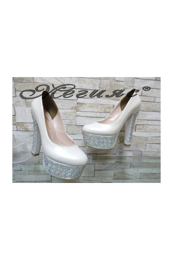 00885 Lady elegant shoes white pu