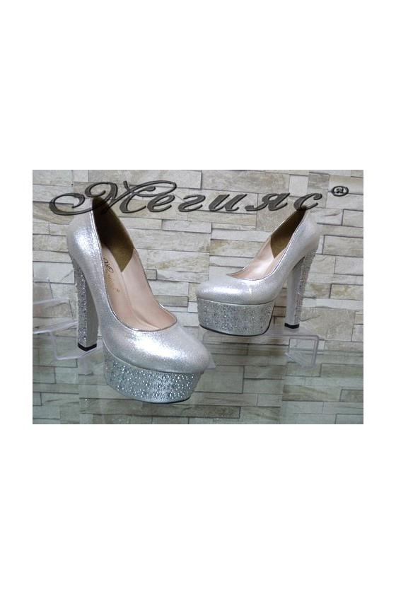 00885 Дамски обувки сребристи елегантни на висок ток