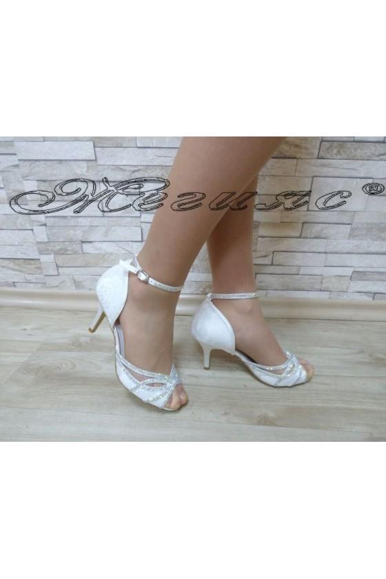 Дамски сандали  Jeniffer 18s20-115 бели елегантни на среден ток
