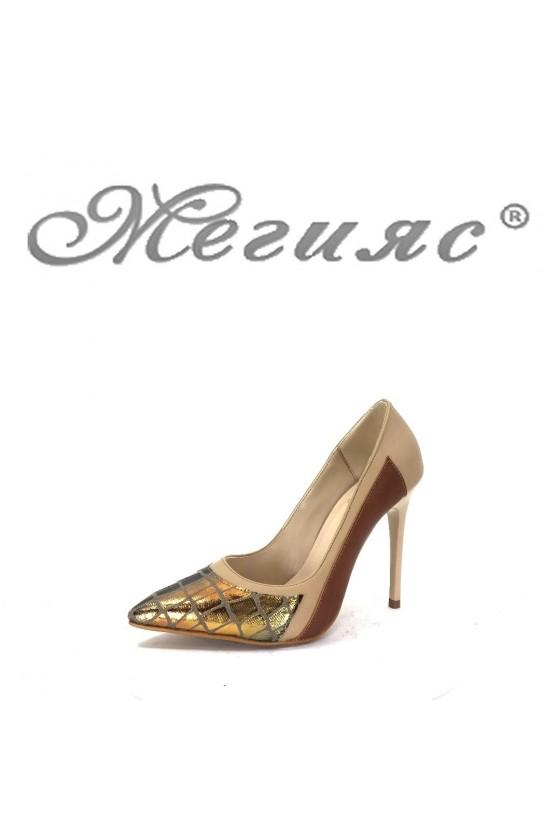 47712 Дамски елегантни обувки бежови със златисто кроко на висок ток