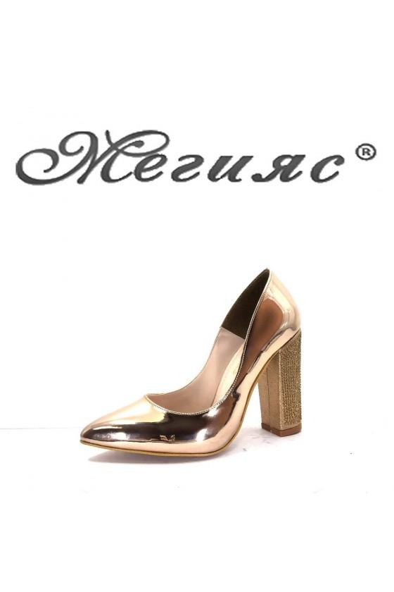 00542 Дамски обувки елегантни с широк ток