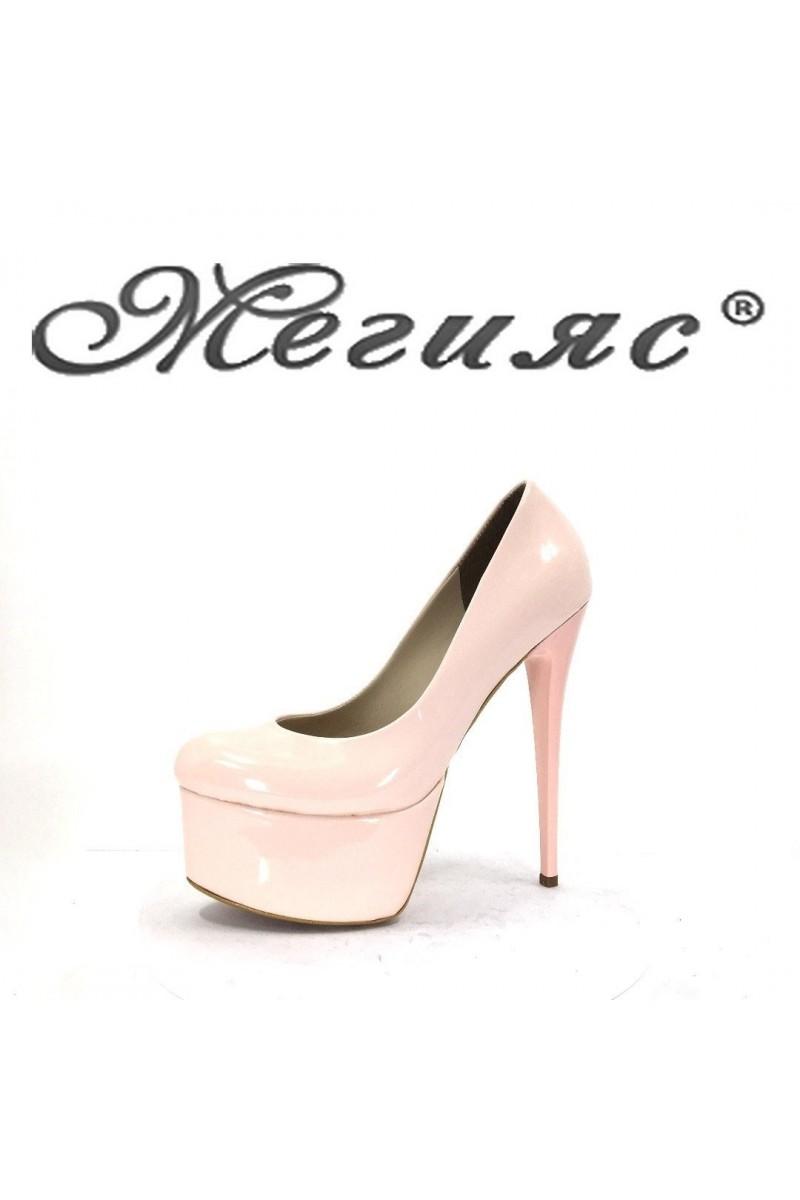 01195 Дамски обувки пудра лак елегантни на висок ток