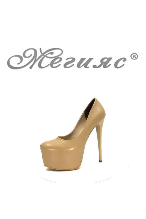 00887 Дамски елегантни обувки бежови на висок ток