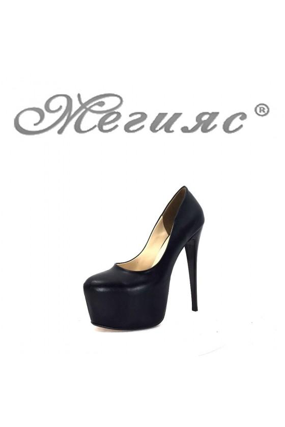 00887 Дамски елегантни обувки черни на висок ток