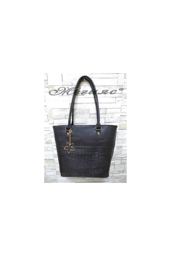 294 Дамска чанта черна от еко кожа