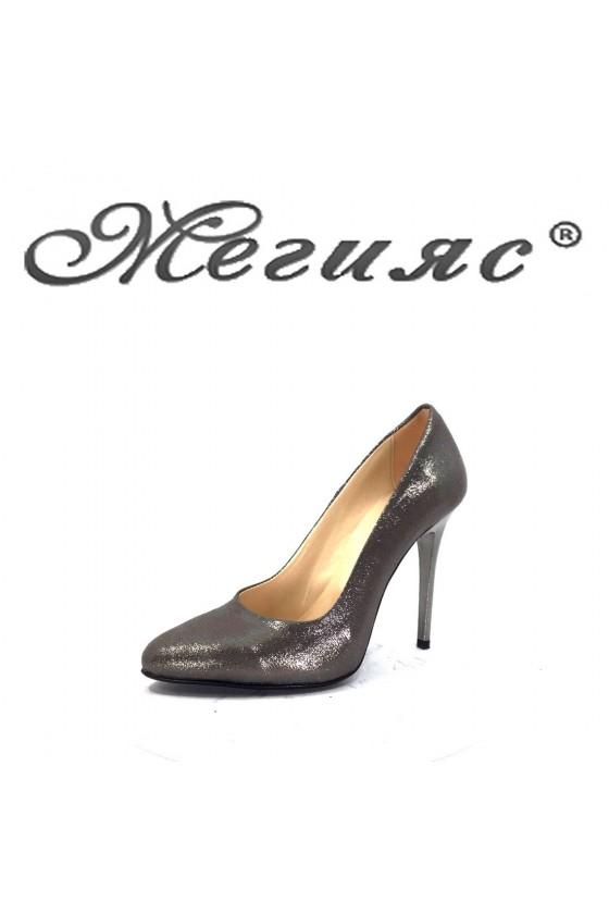 162 Дамски елегантни обувки черен текстил на висок ток