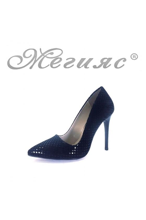 050 Дамски елегантни обувки черни набук с лак