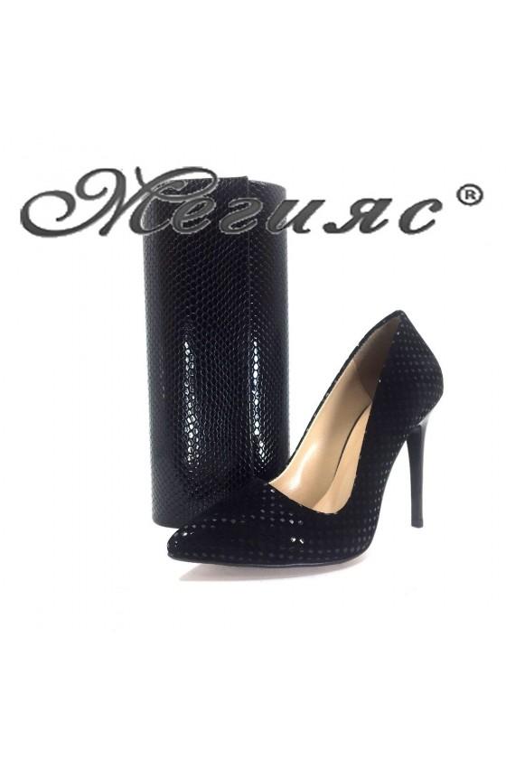 050  Комплект дамски обувки черен велур с чанта 373