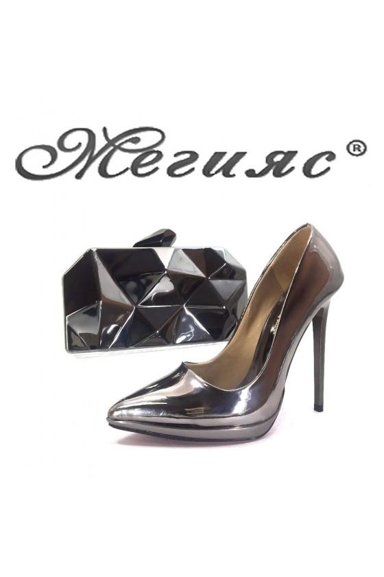 00500 Дамски елегантни обувки гарфит лак с чанта 921