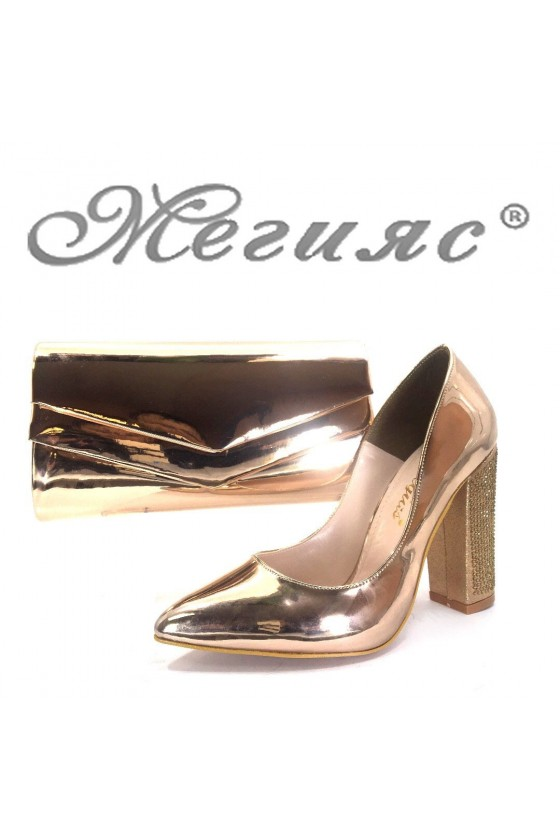 00542 Дамски обувки цвят бакър с чанта 512