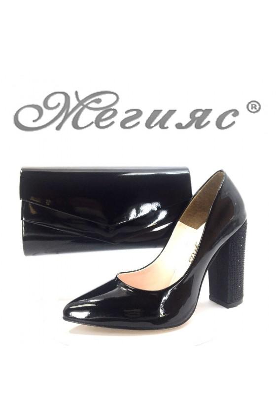 00542 Дамски обувки черни лак с чанта 512