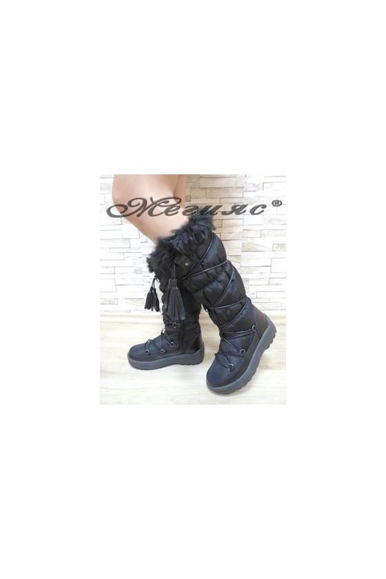 19-1305 Women boots black