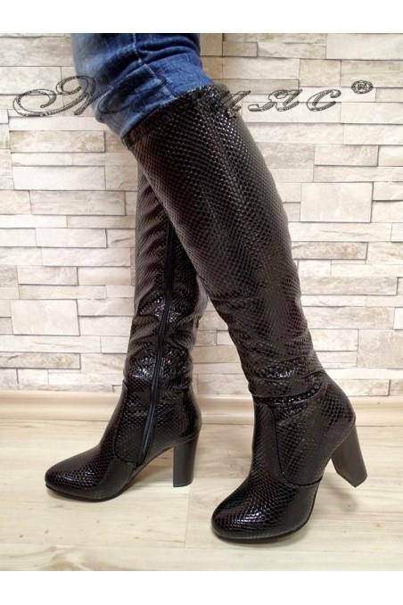 Дамски ботуши 20W17-51 черни от еко кожа с широк ток