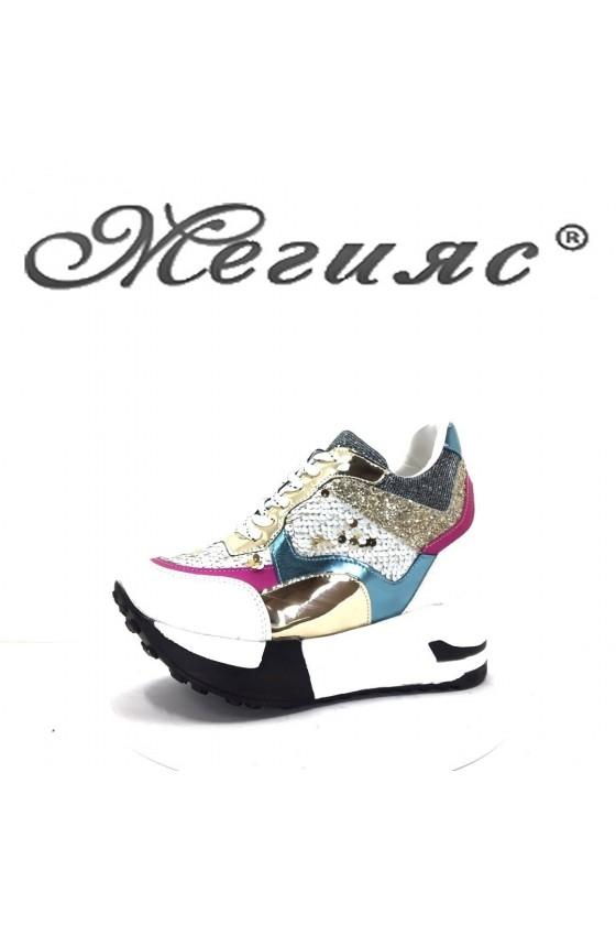 75 Дамски спортни обувки бели с пайети на платформа