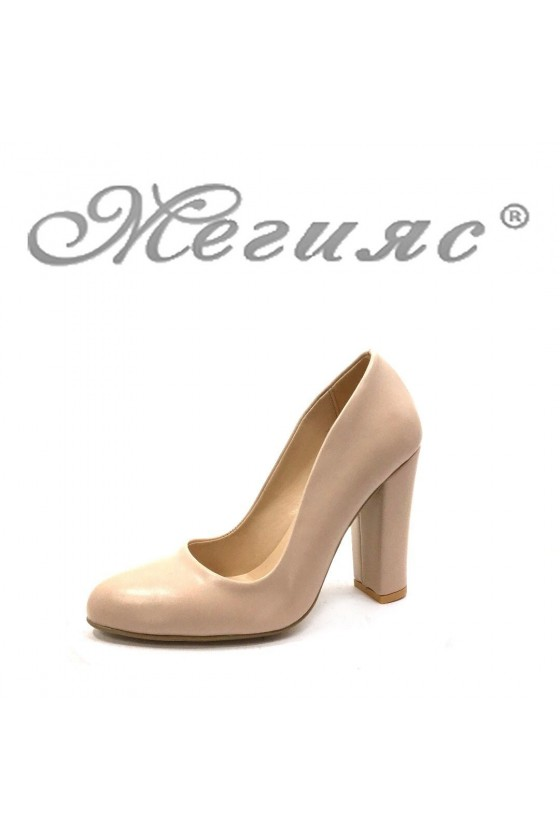 706 Дамски елегантни обувки бежови от еко кожа на широк ток