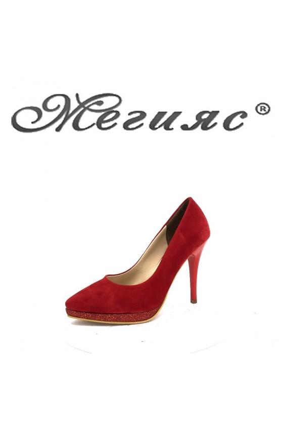 0519 Дамски обувки червен велур елегантни на ток