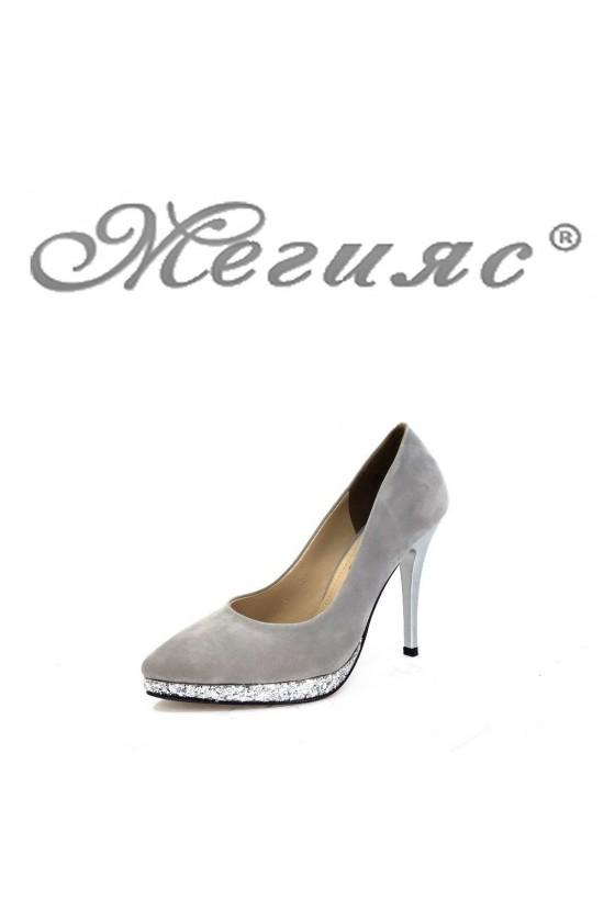 0519 Дамски обувки сиви от велур елегантни на ток