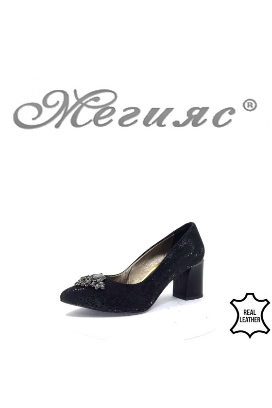 873 Дамски елегантни обувки черни на широк ток