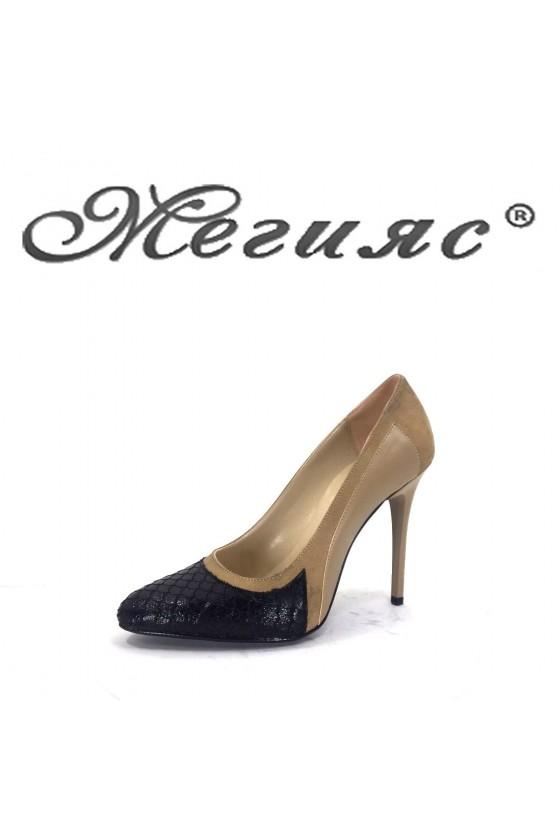 160-0-947 Дамски елегантни обувки бежово и черно на висок ток