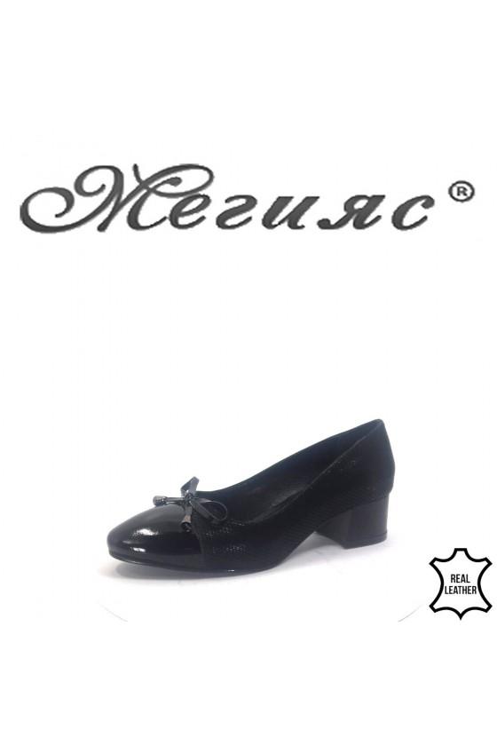 66-5-8 Дамски обувки черни от естествен набук