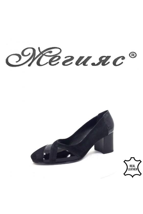 125-6-5 Дамски обувки черни набук с лак на широк ток