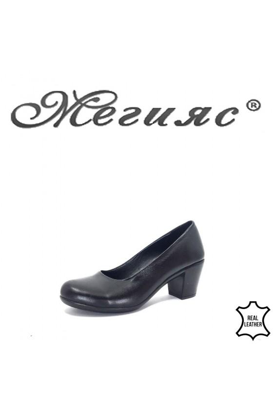 01-01 Дамски обувки черни от естествена кожа