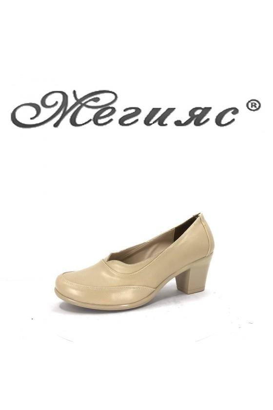 68-8 Дамски обувки бежова еко кожа  на широк ток