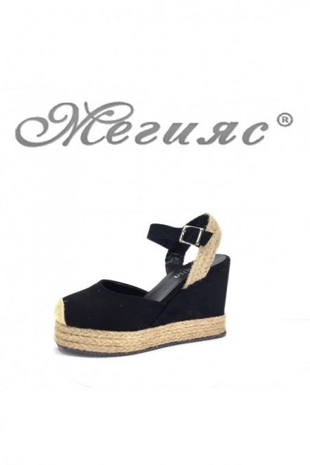 4475 Women sandals black suede