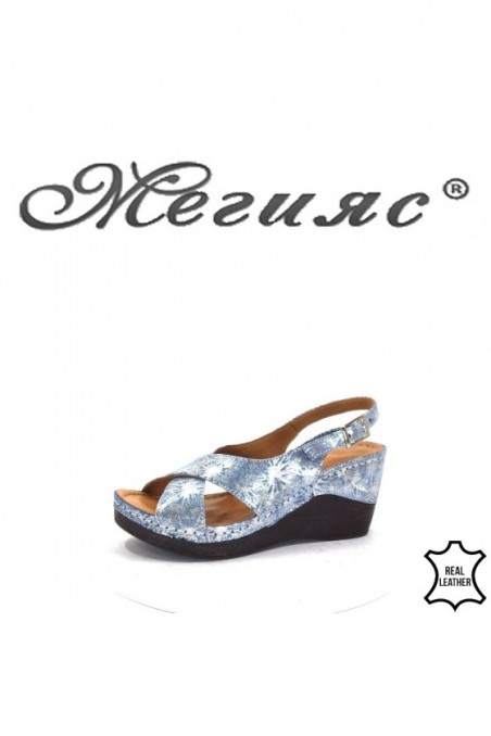 04/8 Lady sandals blue leather