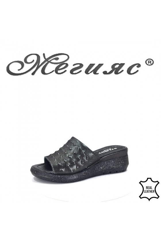 74-26 Lady sandals black leather