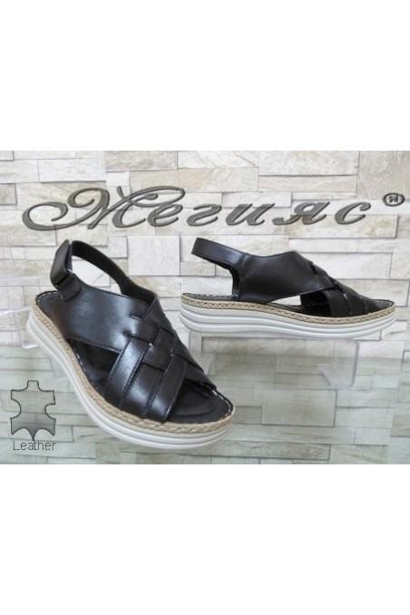 8607 Lady sandals black leather