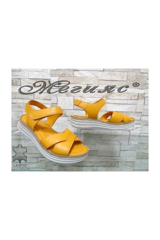8610 Дамски сандали жълти от естествена кожа