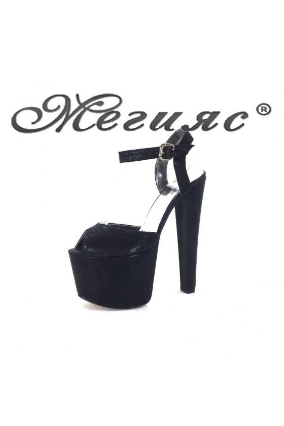 421 Дамски сандали черни на висок ток